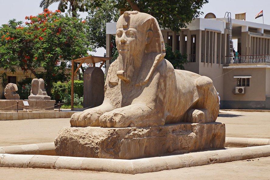 Memphis ägypten, Etwas südlich von Kairo liegt Memphis